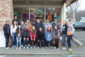 Art Club Decorates Westport