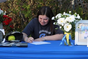 Evalyn and Mekenna Sign with Grays Harbor College